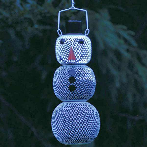 No/No Solar Snowman Wire Mesh Bird Feeder