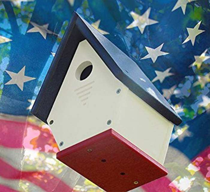 Chateau Recycled Plastic Wren House Red/White/Blue