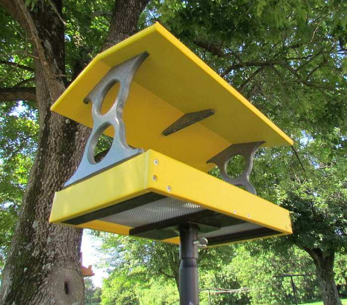 Recycled Poly Fly-Thru Feeder Yellow w/Pole Kit