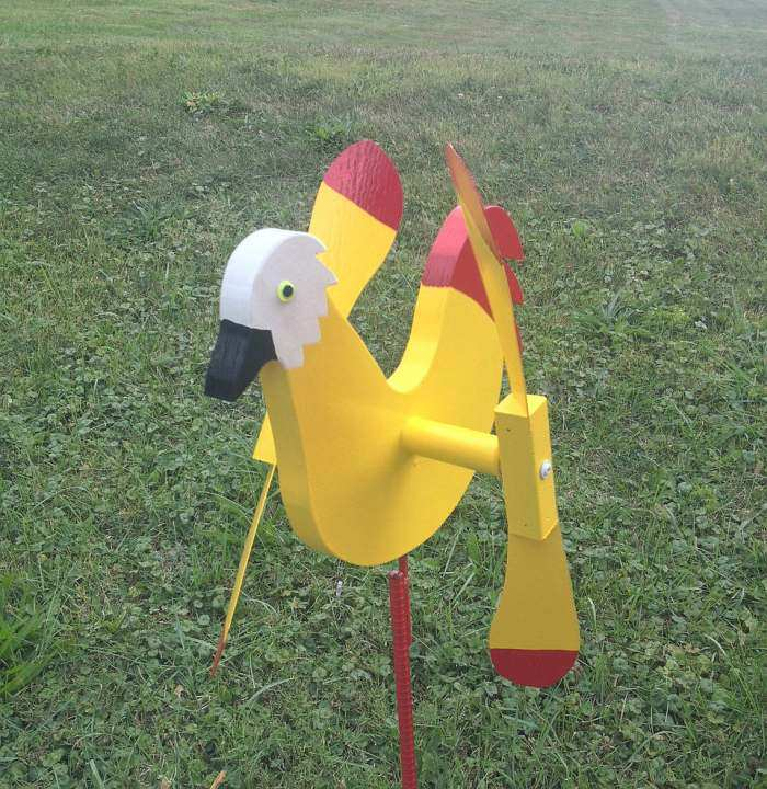 Whirlybird Yellow Chicken Spinner w/Pole