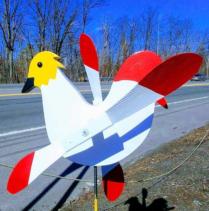 Whirlybird White Rooster Spinner w/Pole