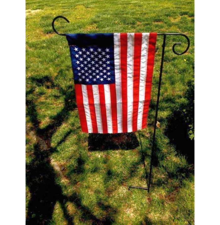 Breeze Art 1-Piece Garden Flag Stand
