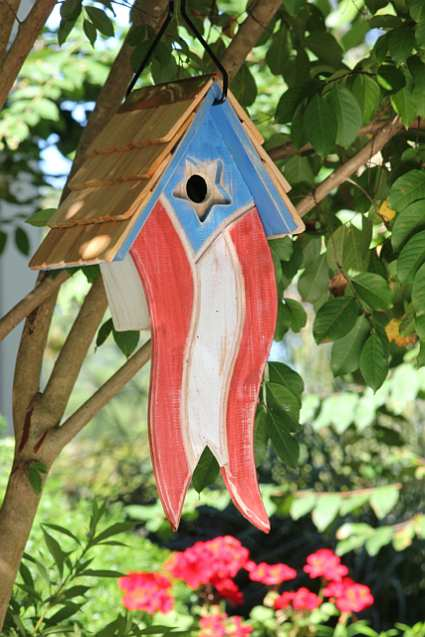 Betsy's Birdhouse Antique Red, White & Blue