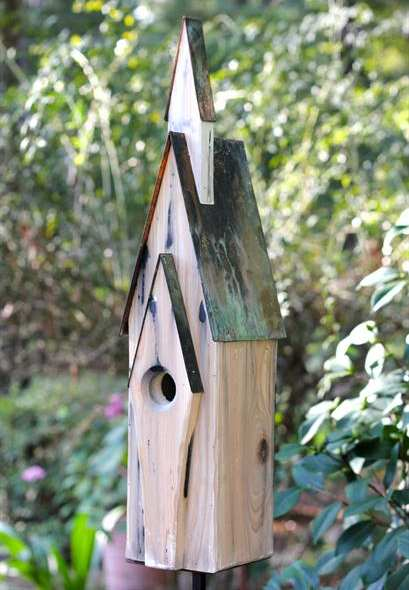 Graceland Bird House Weathered White