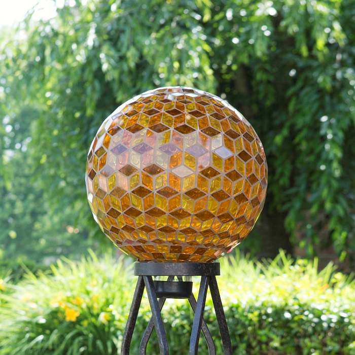 Gazing Globes Garden Le Glass Toadstools At Bird