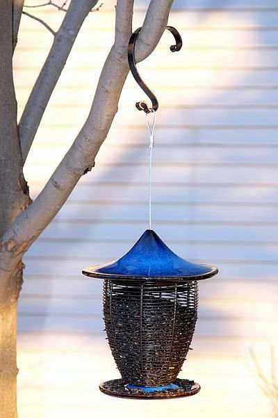 Alcyon Porcelain Bird Feeder