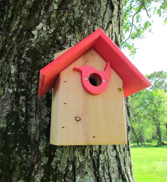 Songbird Post Mount Wren House w/Portal Red