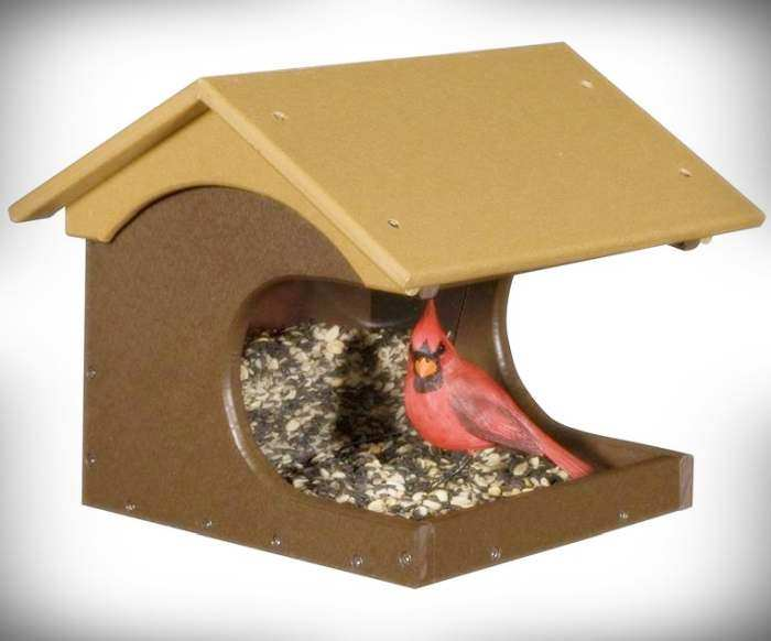 Amish Recycled Poly Coveside Bird Feeder